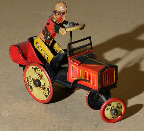 collectibles from the past    collectibles  antiques from the past 1930s Marx Laughing Cows Whoopee Car Tin Wind Up 2   antique toys vintage toys toy collection