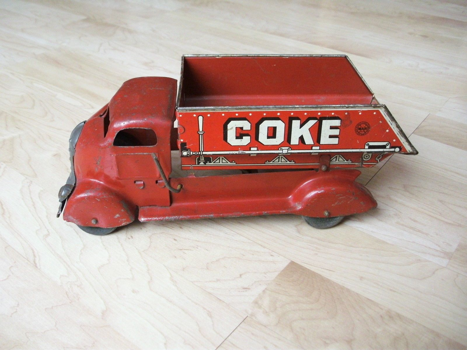 Marx Red pressed steel COKE COAL truck with tin litho dump bed collectibles  from the past